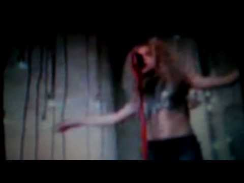 Shakira – Can't Remember To Forget You ft. Rihanna (VIDEO)