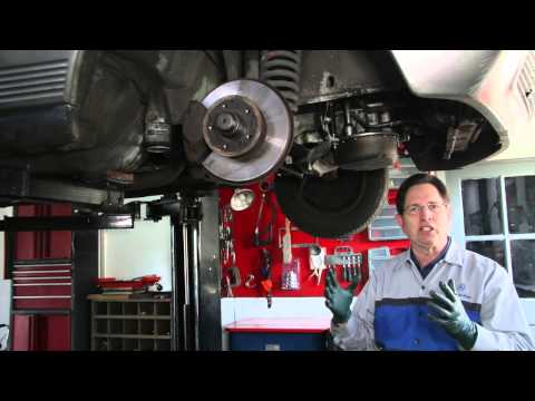Restoring a Mercedes W126 300SD Part 4: Engine Cleaning and Oil Leak Inspection
