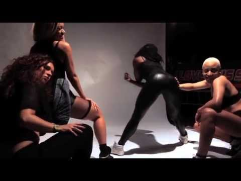 Live Model PhotoShoot at The Jump Off 2014 Show #8