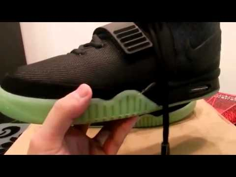 QUICK LOOK  NIKE AIR YEEZY 2 SOLAR RED REPLICA