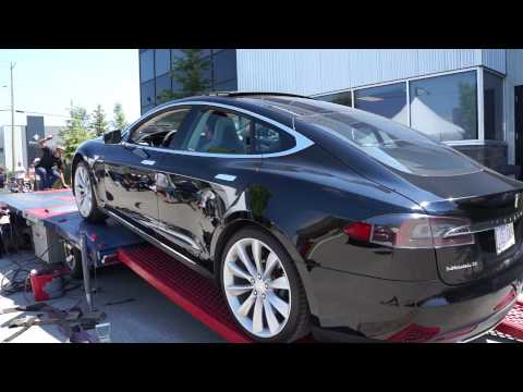 Loading the Tesla Model S P85 on the Dyno