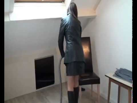 Leather fetish woman
