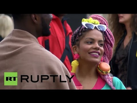 UK: Fashionistas flock to London as fashion week kicks off