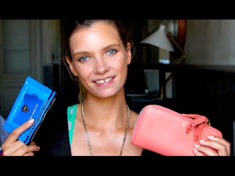 What's in My Bag? Holiday Edition | A Model Recommends