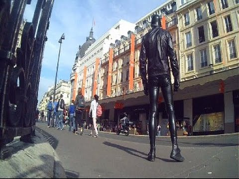 LATEX MEGGING AND RUBBER MASK in Paris