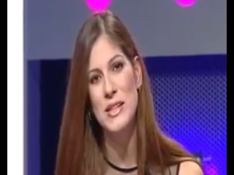 Hot Turkish TV Presenter Showing Her Legs Part 9