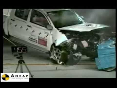 Crash Test Ford Ranger 2012 VS Toyota Hilux