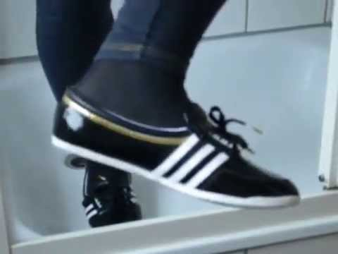 Jana shows her Adidas Concord Round Ballerinas shiny black in the shower