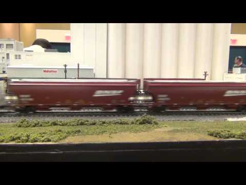 Two Layouts at the Greater Houston Train Show 2014