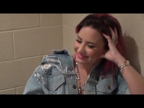 Demi Lovato Talks Bullying, 'The X Factor', & Going Country In Kiss 95.1 Interview