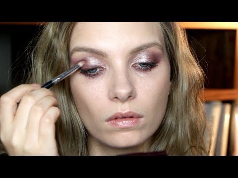 Tutorial: Vintage Vamp Makeup for the Brit Awards